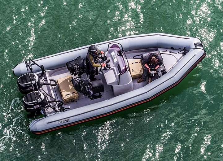 Photography Boat With Suspension Helm Seating