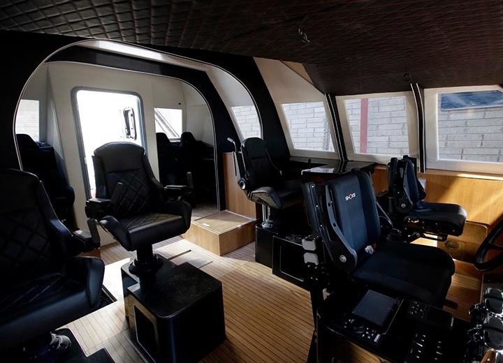 SHOXS-2000-and-2400-marine-suspension-seating